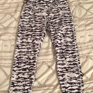 Fabletics Powerhold leggings with side pocket!